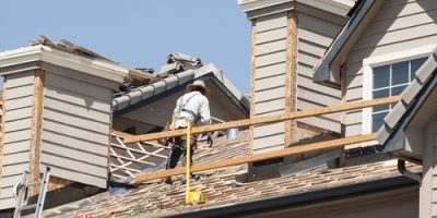 Roofing Companies Identify Roof Damage in Excelsior Springs, MO